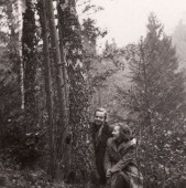 Su literatūrologe Regina Mikšyte. 1948 m.