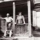 Su Ernstu Šumanu (Rimtuku) ir Nijole Žemaityte, jos gimtajame name. 1989 m.
